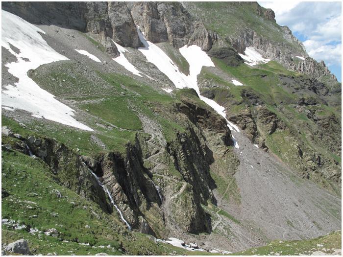Les sentiers d'accès à Barroude